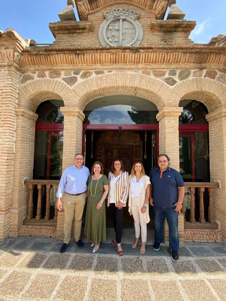 Foto acuerdo evento Estrellas de La Mancha Toledo